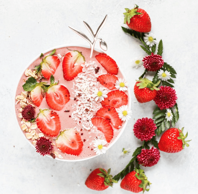 Strawberry_Collagen_Smoothie_bowl-e1549549817249-687x675