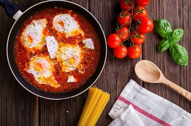 Spicy Tomato Baked Eggs recipe